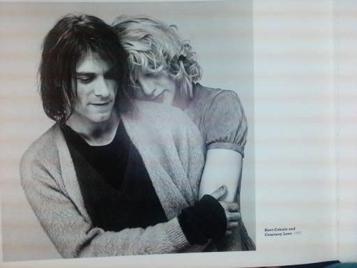 Kurt Cobain e Courtney Love casaram-se