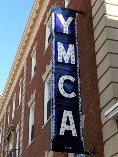 A YMCA, Associação Cristã, processou Village People por causa da música YMCA