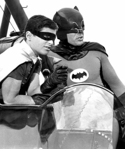 Estreou na televisão a série Batman