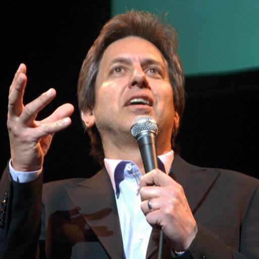 Nasceu o actor e comediante Ray Romano