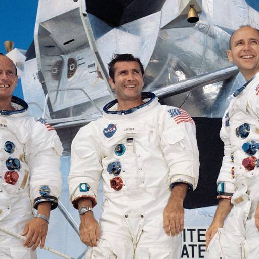 Retornou à Terra, Apollo XII, após ter chegado a superfície lunar