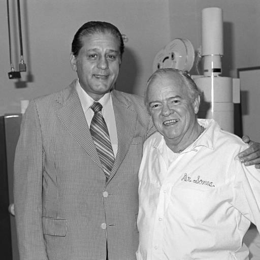 Nasceu o cirurgião René Favaloro