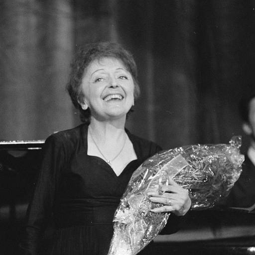 Nasceu a actriz e cantora Édith Piaf