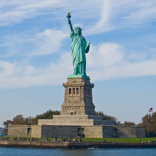 Foi colocada a primeira pedra no pedestal da estátua da Liberdade