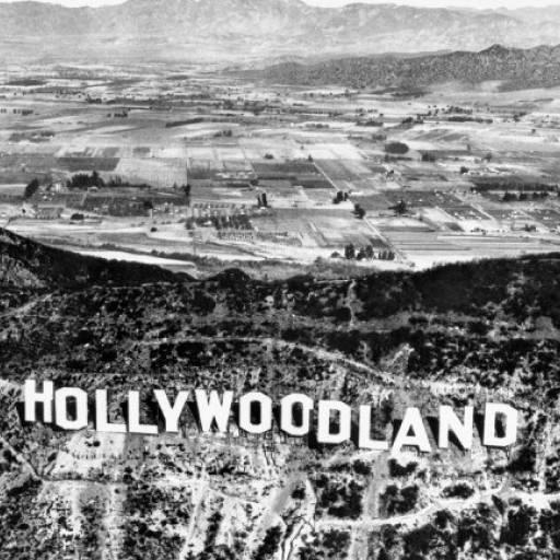 Foi colocado o letreiro de Hollywood