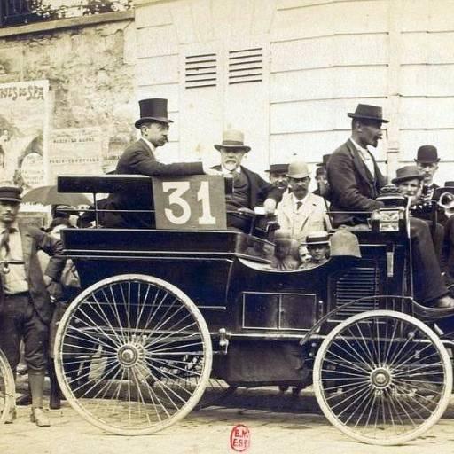 Ocorreu a corrida automobilística da história, entre Paris e Rouen