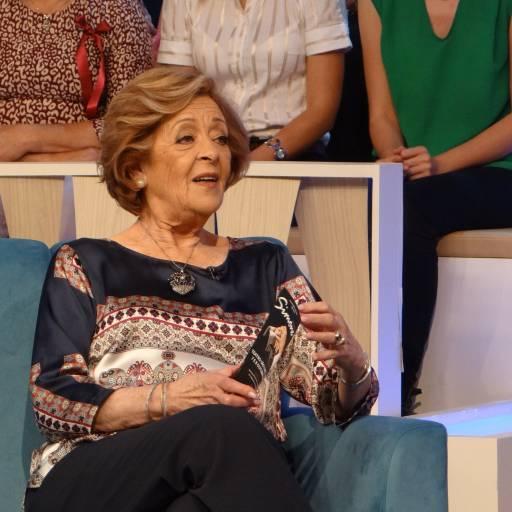 Nasceu a cantora e actriz Simone de Oliveira