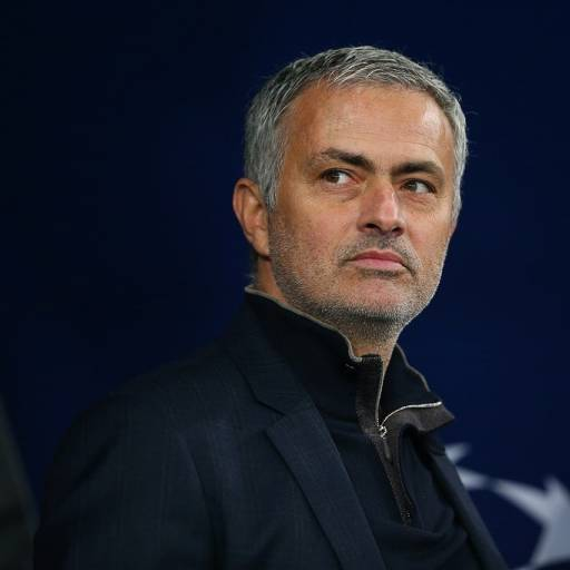Nasceu o treinador José Mourinho
