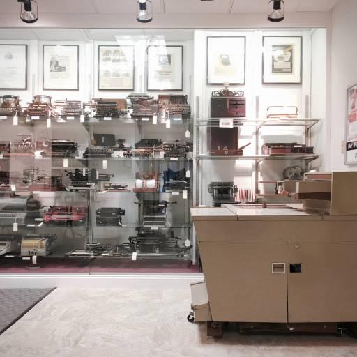 Foi apresentada a primeira máquina de fotocópias