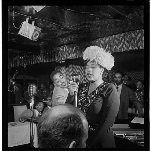 Nasceu a cantora Ella Jane Fitzgerald