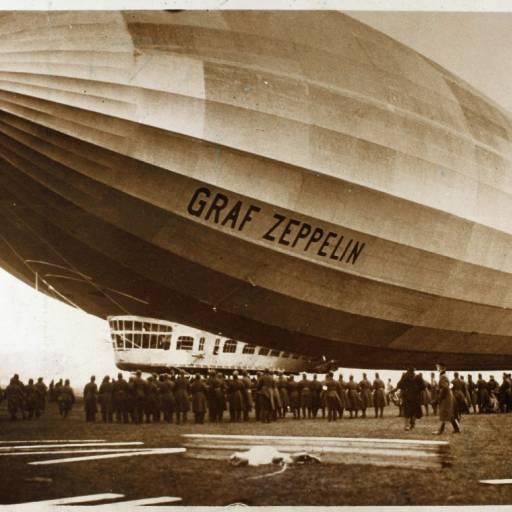Ferdinand von Zeppelin registou a patente do seu balão navegável