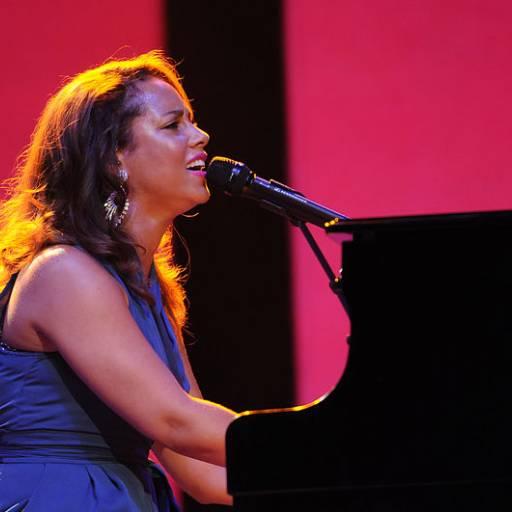 Nasceu a cantora Alicia Keys