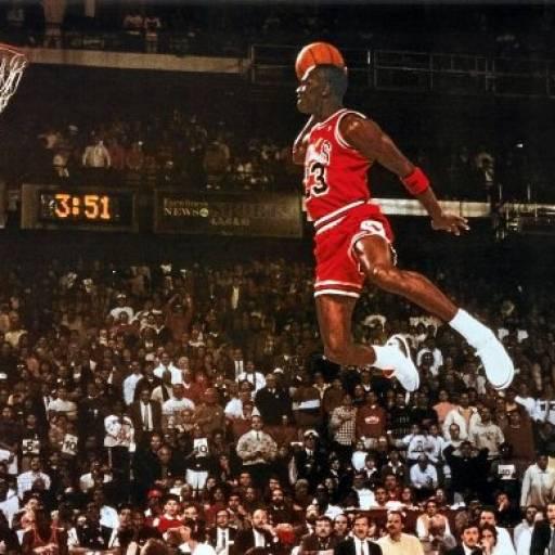 Nasceu o ex-jogador de basquetebol Michael Jordan