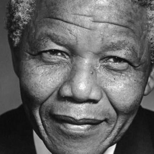 Nelson Mandela tornou-se o primeiro negro a ocupar o cargo de Presidente da África do Sul