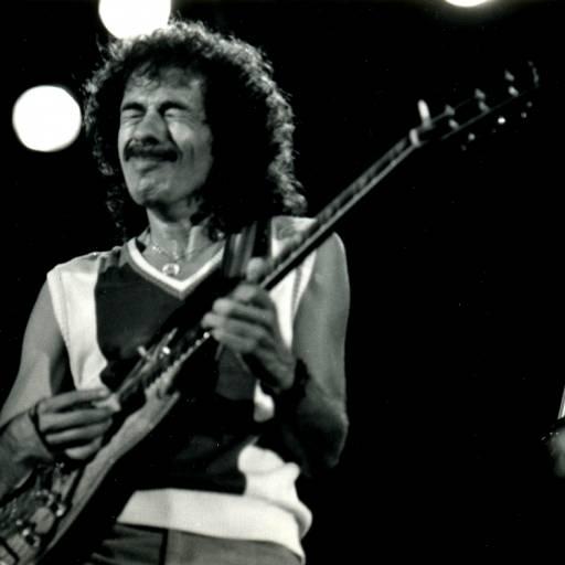 Nasceu o guitarrista Carlos Santana