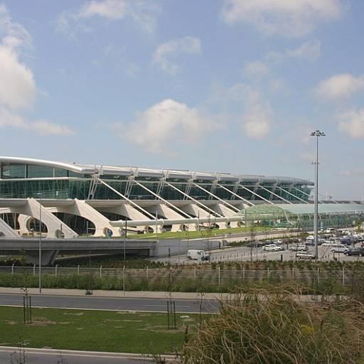 Foi inaugurado em Pedras Rubras o aeroporto internacional do Porto
