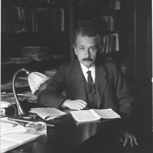 Albert Einstein fugiu para os Estados Unidos da perseguição nazi
