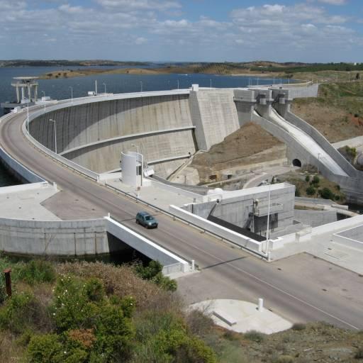 Foram encerradas as comportas da barragem do Alqueva