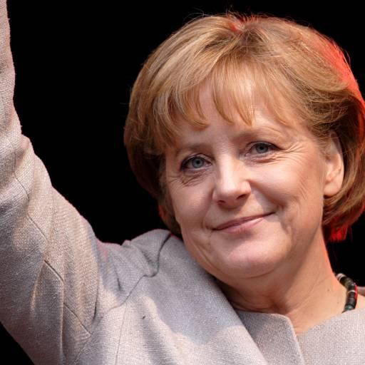 Nasceu a política Angela Merkel