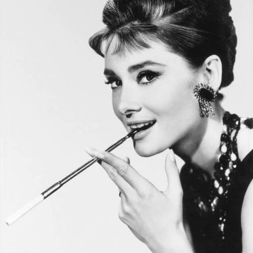 Nasceu a actriz Audrey Hepburn
