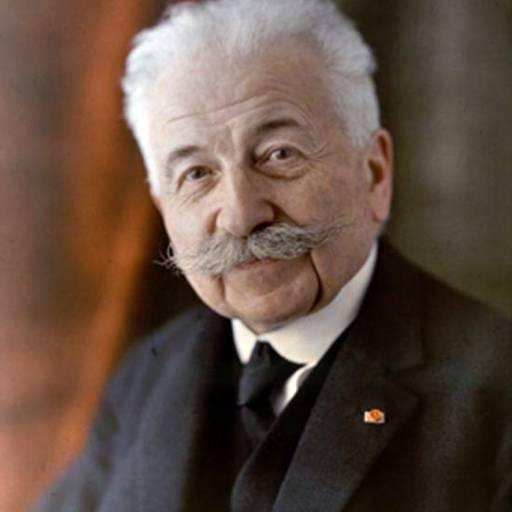 Nasceu o inventor Auguste Lumiére