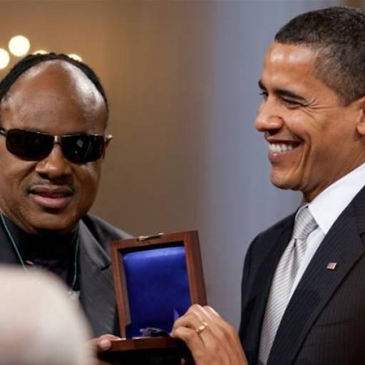 Stevie Wonder sofreu um grave acidente de carro