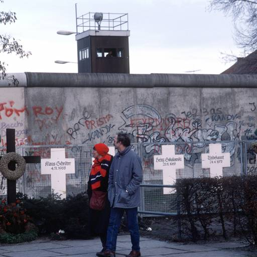 Alemanha Oriental e Ocidental unificaram-se