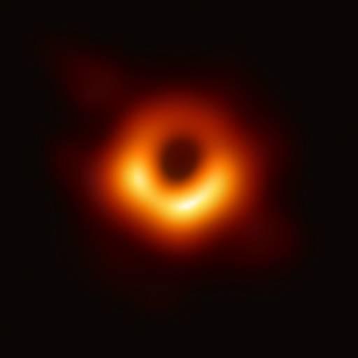 Foi publicado o primeiro artigo científico sobre o fenómeno dos buracos negros