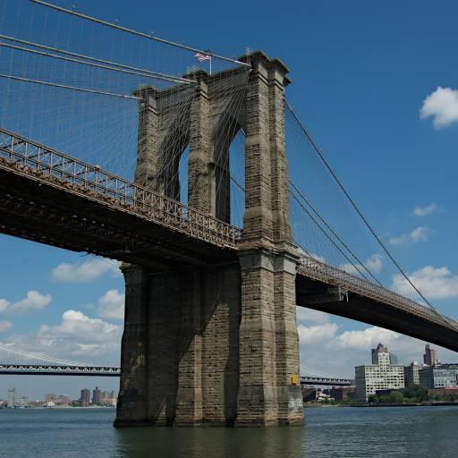 Foi inaugurada a Ponte de Brooklyn