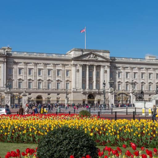 O Palácio de Buckingham anunciou o acordo de divórcio do Príncipe Carlos e Diana