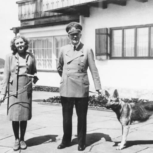 Adolf Hitler e Eva Braun suicidaram-se