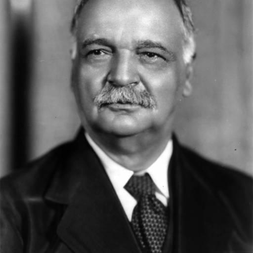 Charles Cutis tornou-se o primeiro índio americano a trabalhar no Senado dos Estados Unidos