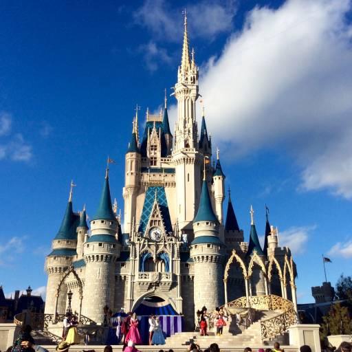 Foi inaugurado o Walt Disney World na Flórida