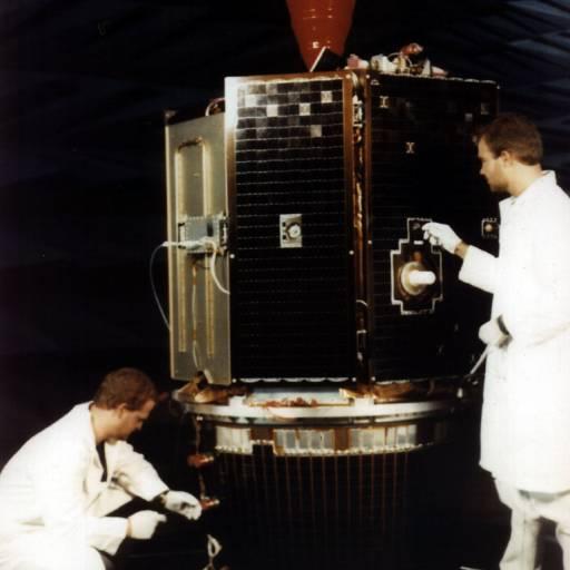 Sonda Espacial Clementine encontrou gelo na Lua