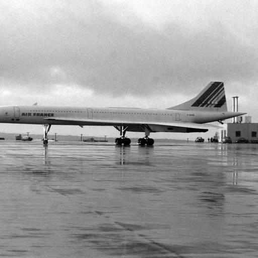 Ocorreu o primeiro vôo de longa distância do Concorde