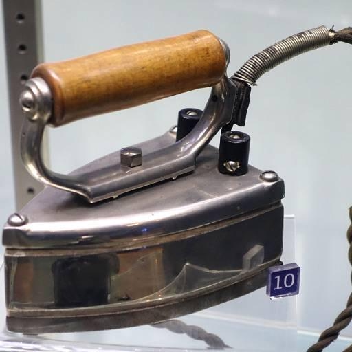 Foi patenteado o primeiro ferro de engomar eléctrico