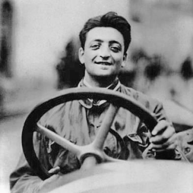 Nasceu Enzo Ferrari