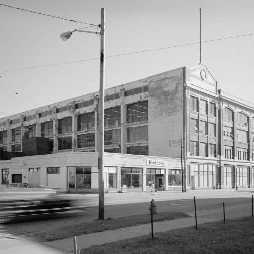 Foi fundada, por Henry Ford, a Ford Motor Company