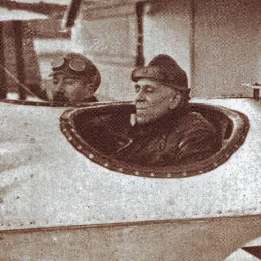 Os aviadores Gago Coutinho e Sacadura Cabral chegaram ao Rio de Janeiro, realizando a primeira travessia aérea do Atlântico Sul