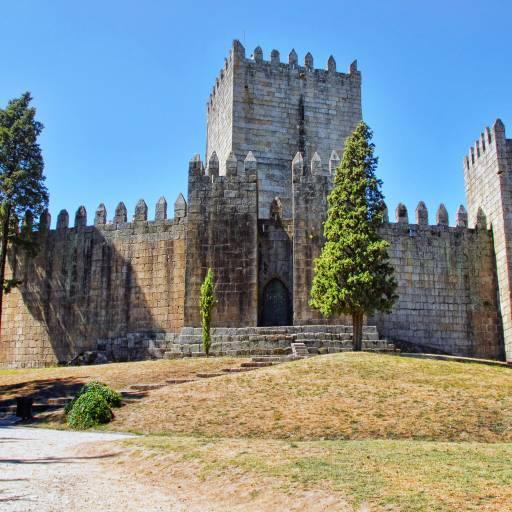 Guimarães foi elevada a cidade