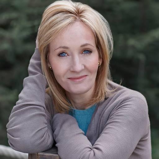 Nasceu a escritora J. K. Rowling
