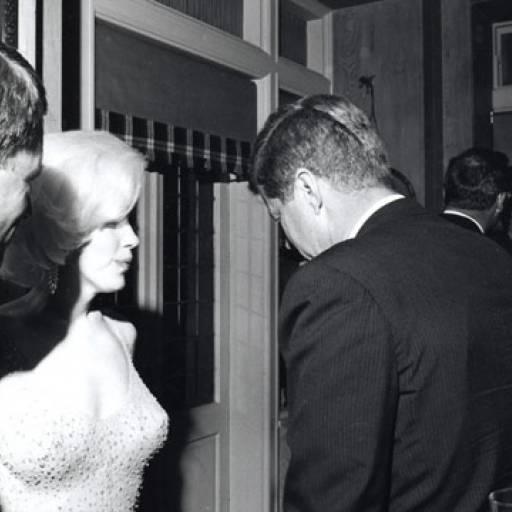 Marilyn Monroe cantou os parabéns ao presidente Kennedy