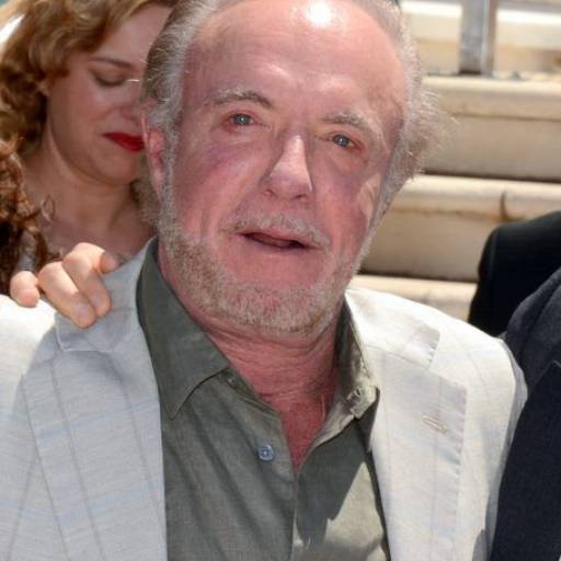 Nasceu o actor James Caan
