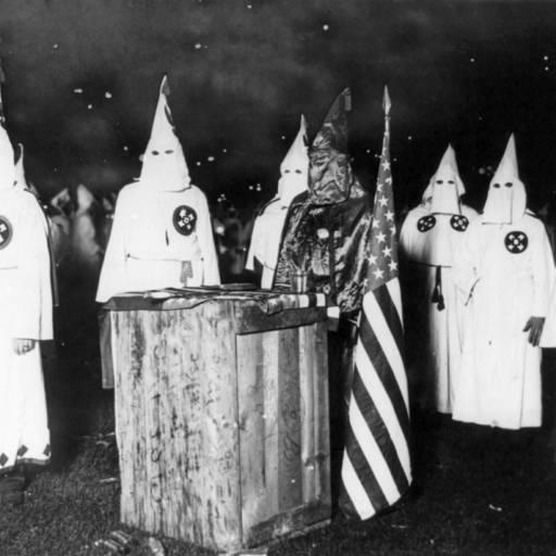 O primeiro congresso nacional da Ku Klux Klan foi realizado em Washington