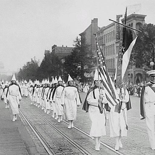 Os Estados Unidos criaram uma lei que suprimiu a associação secreta Ku-Klux-Klan