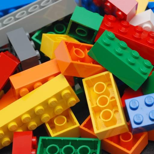 Foi registado a patente das peças Lego