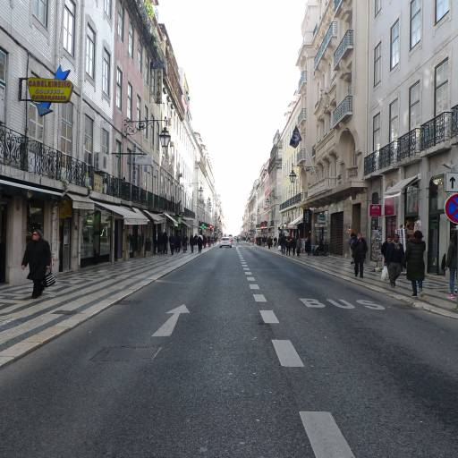 Foi aprovado o primeiro Código da Estrada em Portugal