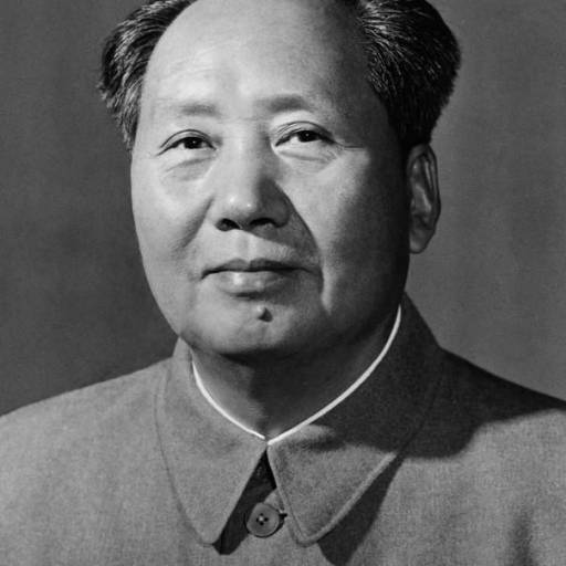 Mao Tse-Tung foi aclamado chefe de Estado da China