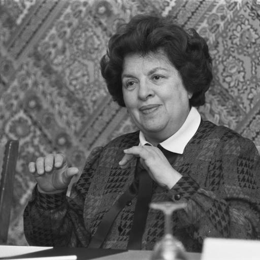 Maria de Lourdes Pintasilgo tornou-se a primeira mulher a ocupar o cargo de primeiro-ministro de Portugal