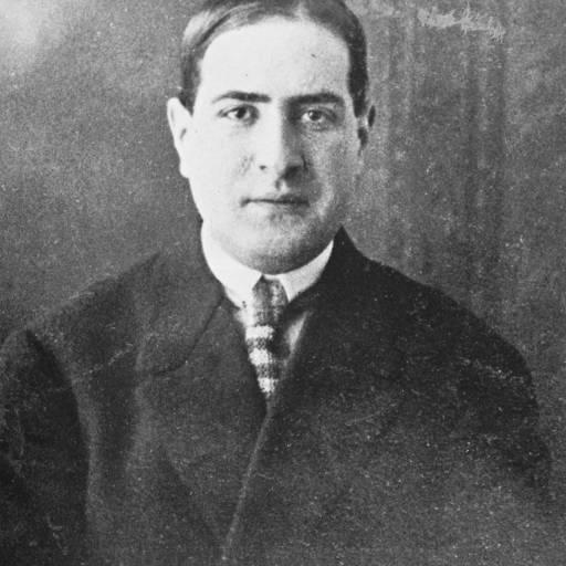 Nasceu o poeta Mário de Sá Carneiro